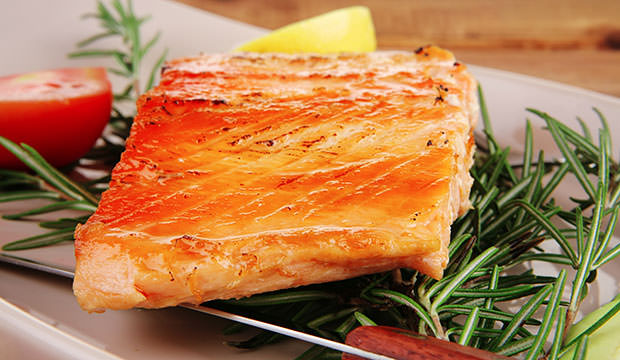 healthy-food-hot-baked-salmon